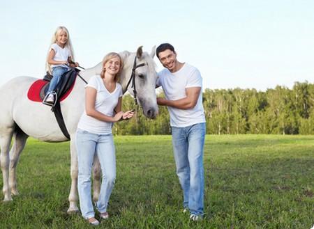 Прогулка на лошадях в годовщину свадьбы