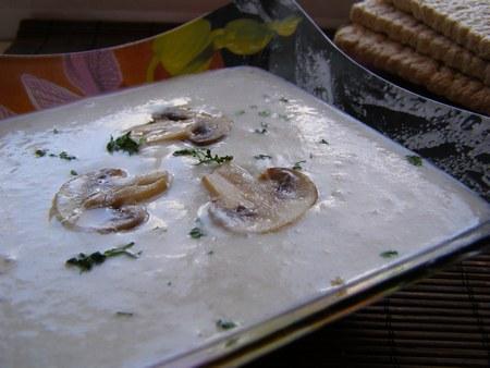 Суп-пюре из шампиньонов - мой лучший семейный рецепт с фото