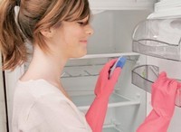 Как не допустить появления и распространения запаха в холодильнике