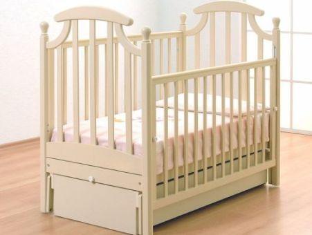 Кроватка деревянная детская