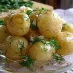Картошка в мундирах жареная