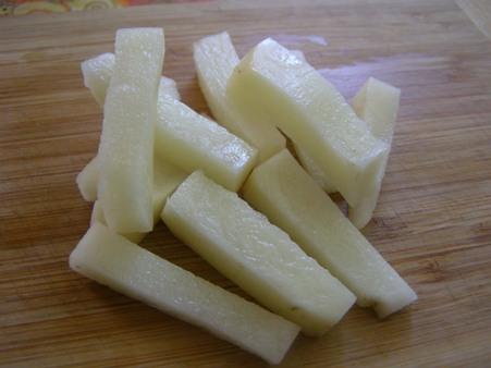 Картошку режем на жарку