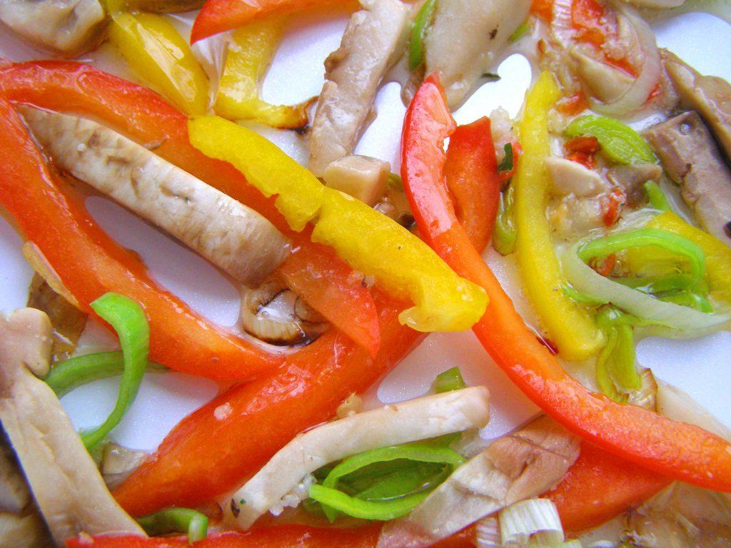 Жарим овощи и грибы