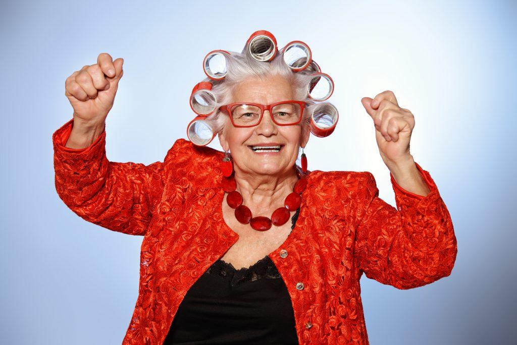 Жизнерадостная бабушка