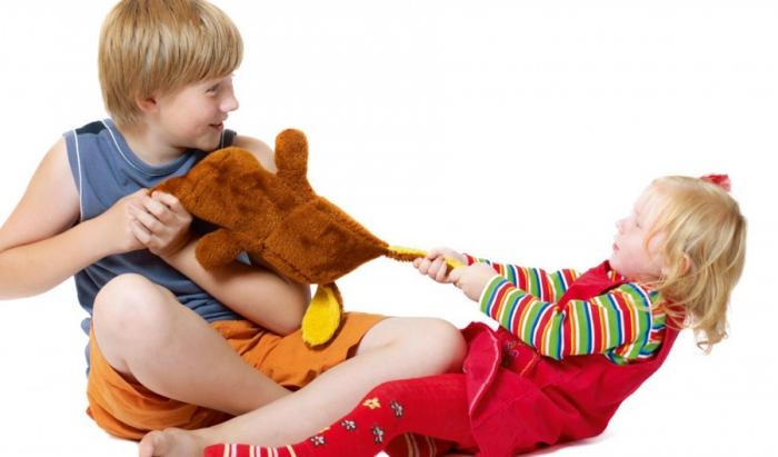Дети не делятся игрушками