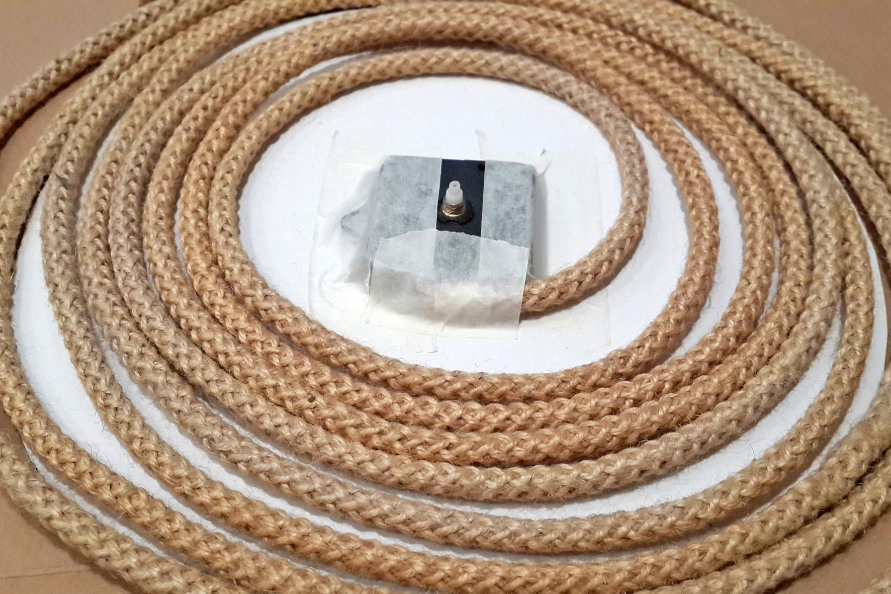 веревка и часовой мехнизм