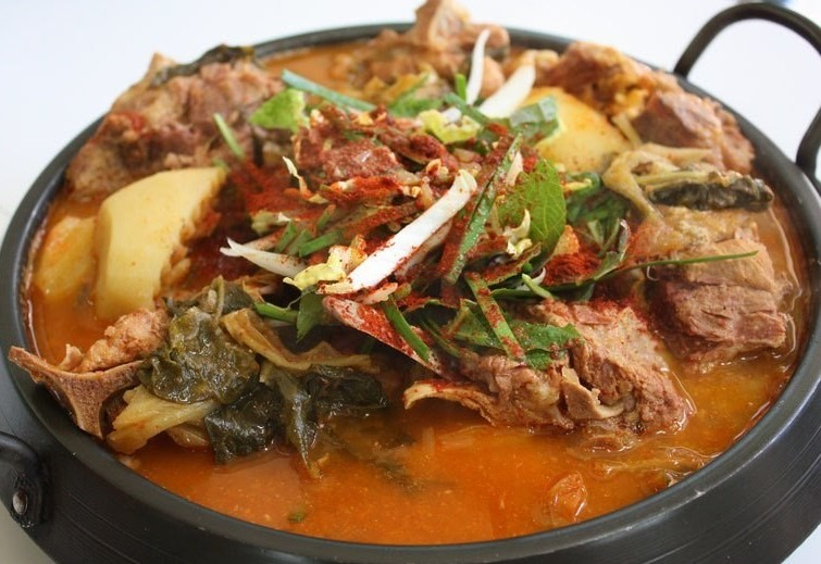 Корейский суп хэджанкук