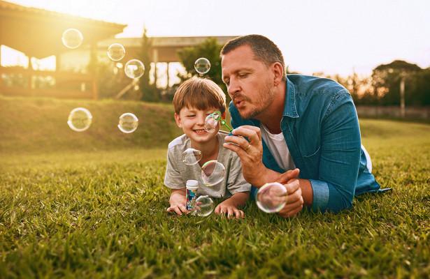 мужчина с ребенком