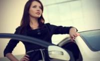 Какую машину лучше купить девушке или женщине – основные критерии выбора