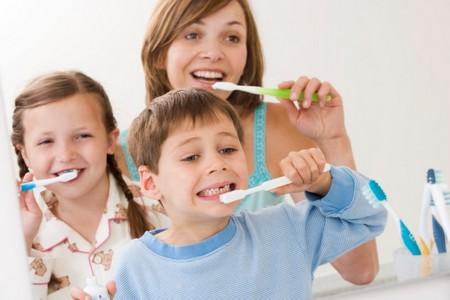 Чистка зубов - дети