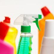 Мытье окон с помощью моющих средств