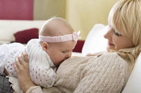 Как подготовить малыша к отлучению от груди