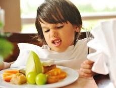 Что нельзя делать, если ребенок плохо ест - распространенные ошибки