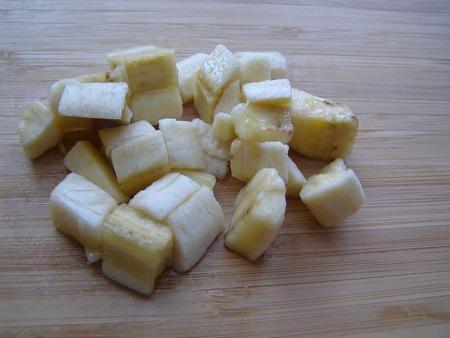 В десерт с творогом добавляем банан