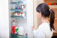 Почему в моем холодильнике плохо пахнет?
