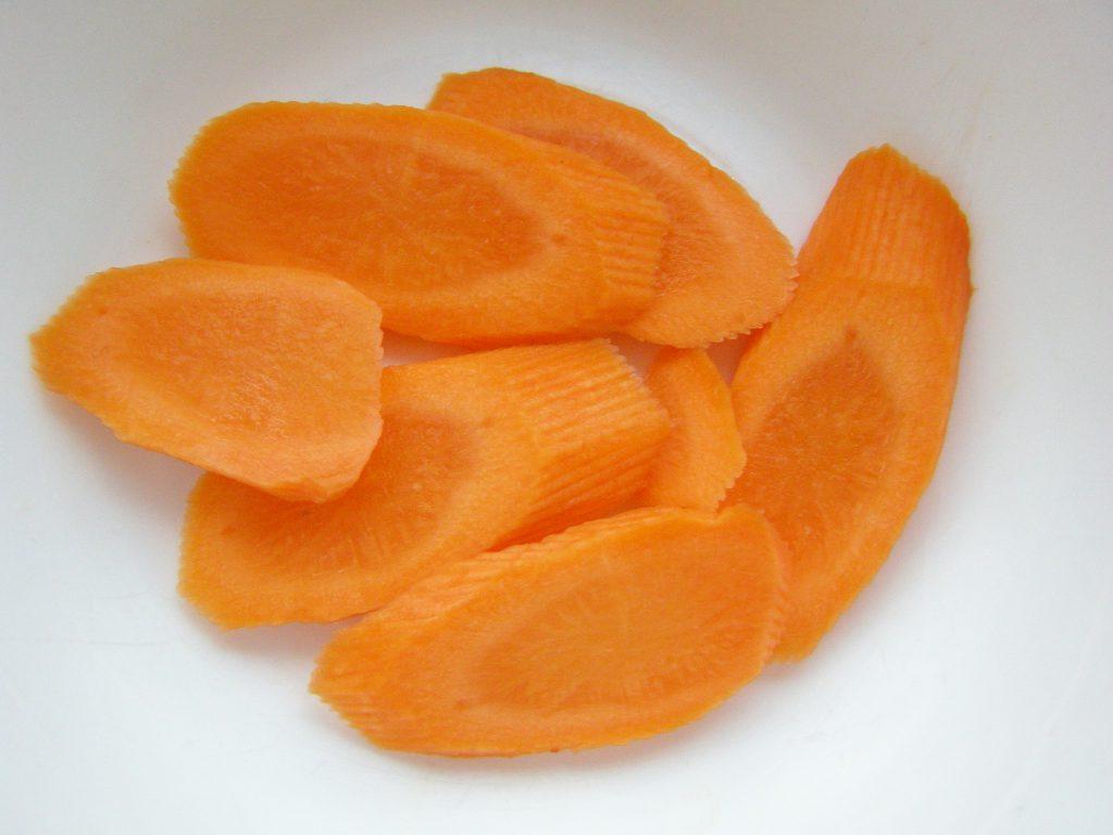 Нарежем морковь красиво