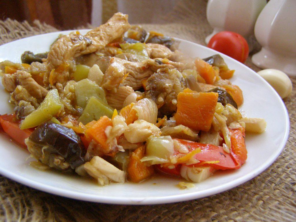 Баранина, тушеная с овощами
