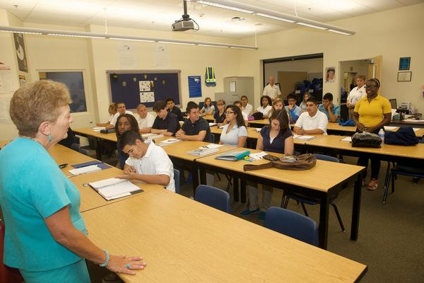 Какую профессию лучше выбрать мальчику после 9 класса?