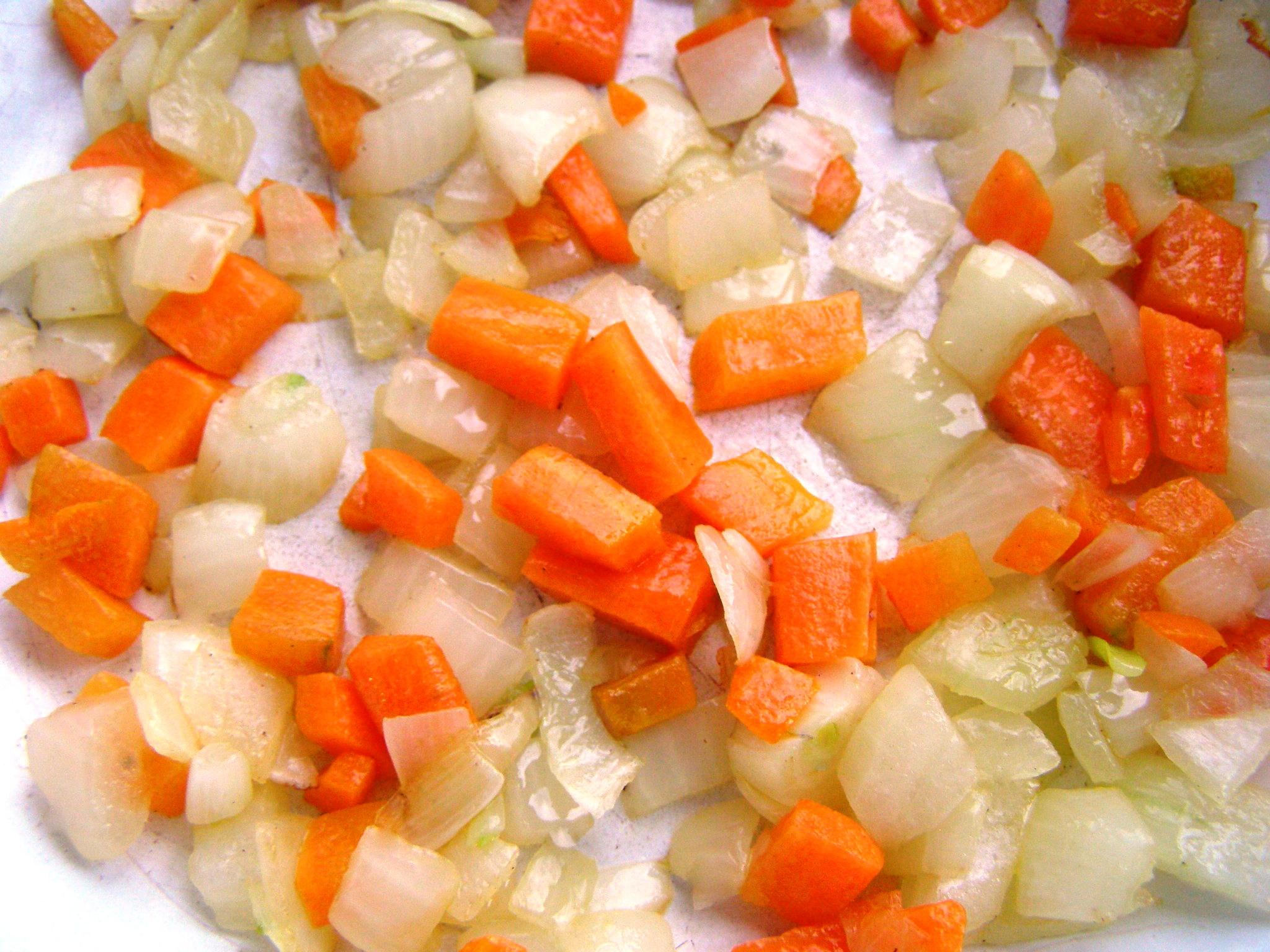 Овощи пассеруются