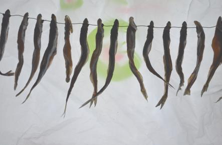 Нанизать рыбу