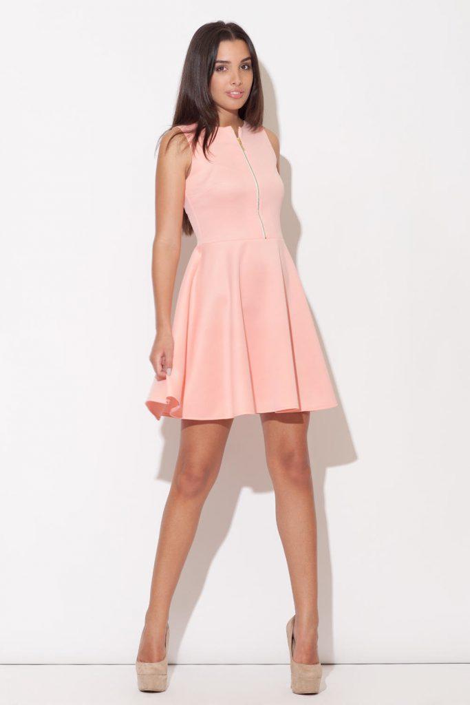 Светло-розовое платье для девушек